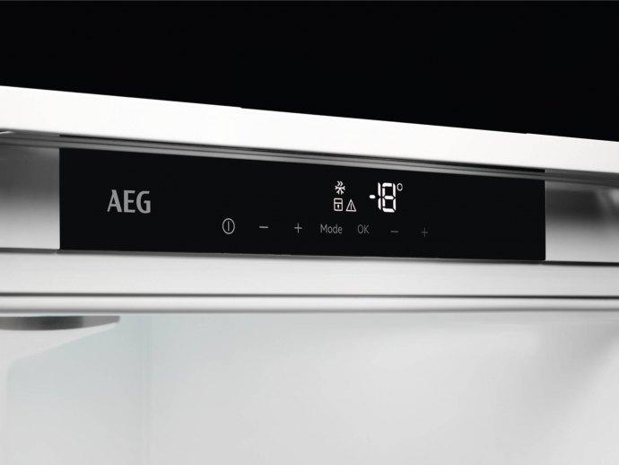 AEG ABE818F6NC Inbouw vriezers
